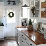 20 Stunning Farmhouse Kitchen Cabinets Decor Ideas And Remodel (11)