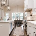 20 Stunning Farmhouse Kitchen Cabinets Decor Ideas And Remodel (20)