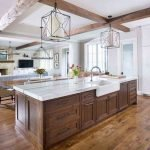 20 Stunning Farmhouse Kitchen Cabinets Decor Ideas And Remodel (9)
