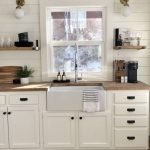 20 Stunning Farmhouse Kitchen Sink Decor Ideas And Remodel (10)