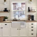 20 Stunning Farmhouse Kitchen Sink Decor Ideas And Remodel (10)