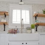 20 Stunning Farmhouse Kitchen Sink Decor Ideas And Remodel (11)