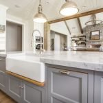 20 Stunning Farmhouse Kitchen Sink Decor Ideas And Remodel (12)