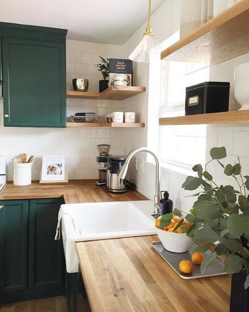 20 Stunning Farmhouse Kitchen Sink Decor Ideas and Remodel (13)