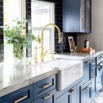 20 Stunning Farmhouse Kitchen Sink Decor Ideas And Remodel (16)