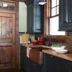 20 Stunning Farmhouse Kitchen Sink Decor Ideas And Remodel (17)