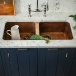20 Stunning Farmhouse Kitchen Sink Decor Ideas And Remodel (6)