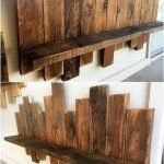 Fantastic Wooden Pallet Wall Decoration