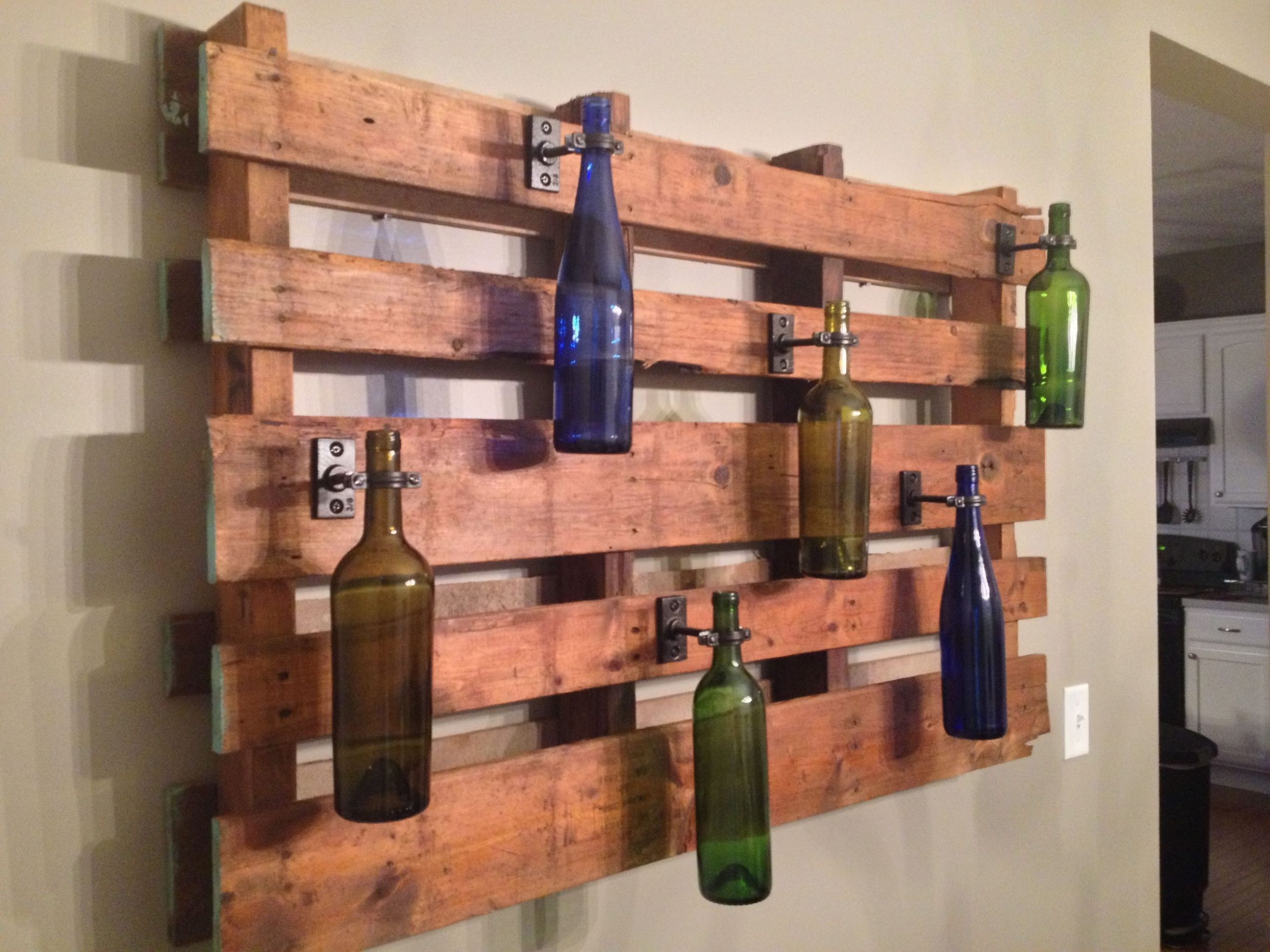 Top wooden pallet wall decoration