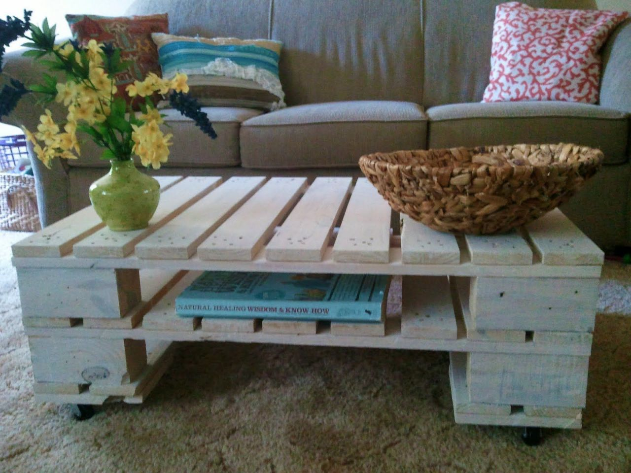 Amazing things to make from wooden pallets